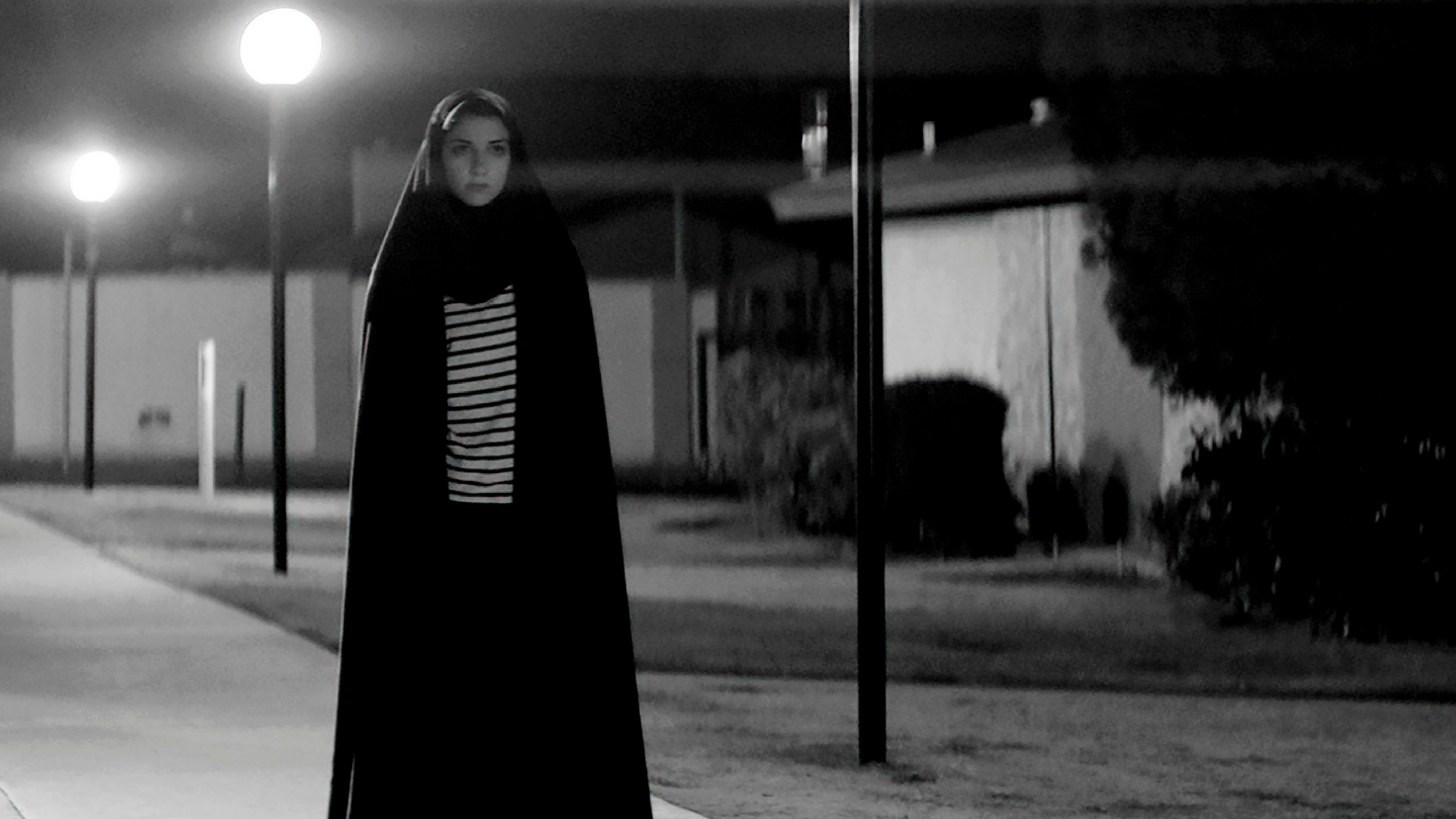 A girl walks home alone at night: una Carmilla underground