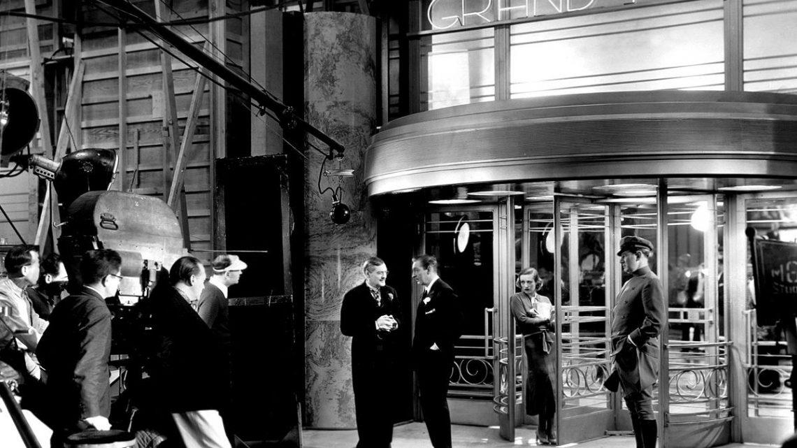 Negli interni berlinesi di Grand Hotel tutto luccica come a Hollywood